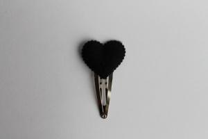 Haarspeldje zwart vilten hartje