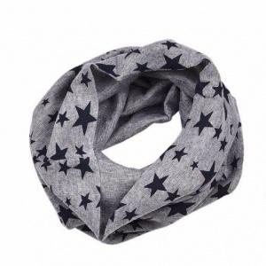 Grijze sjaal sterren