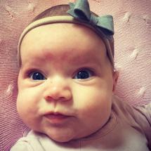 Happy Customer - handgemaakt baby haarband met grijze vilten strik