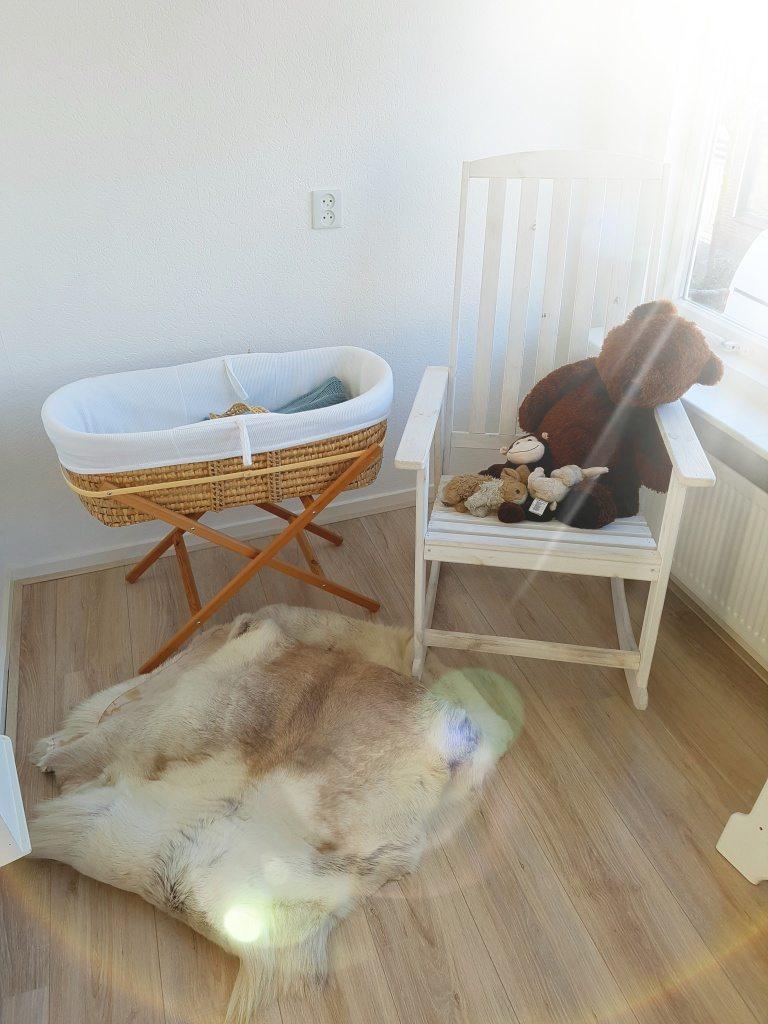 De eerste stapjes van Rosemarije haar babykamer