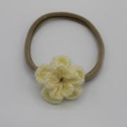 Nylon haarbandje gehaakte creme bloem