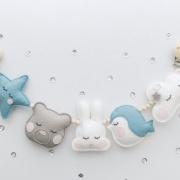 Wagenspanner blauwe vilten diertjes