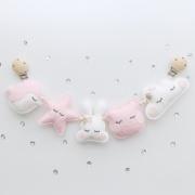 Wagenspanner roze vilten diertjes