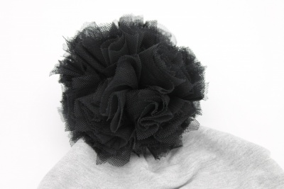 Muts black pompom grey
