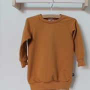 Sweater dress okergeel