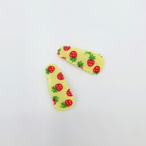 Baby haarspeldjes geel met aardbeien