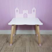 Houten tafeltje kasteel