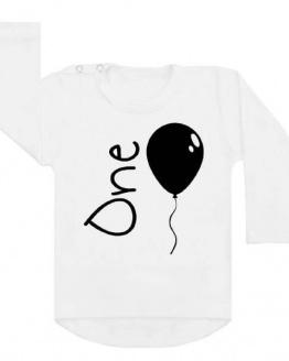Verjaardagsshirt eerste verjaardag. Ook als strijkapplicatie beschikbaar. De leukste strijkapplicaties en shirts voor verjaardagen! Vier de verjaardag van je kind in stijl met onze verjaardagsshirts.