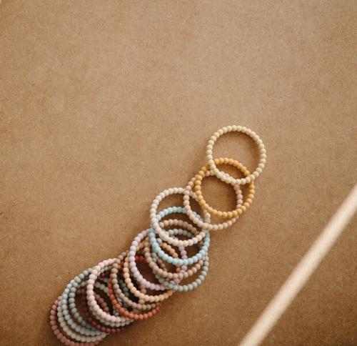 Mushie bijtspeelgoed parel armbanden